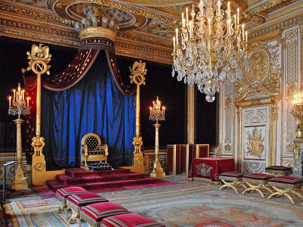 тронный зал в дворце Фонтенбло