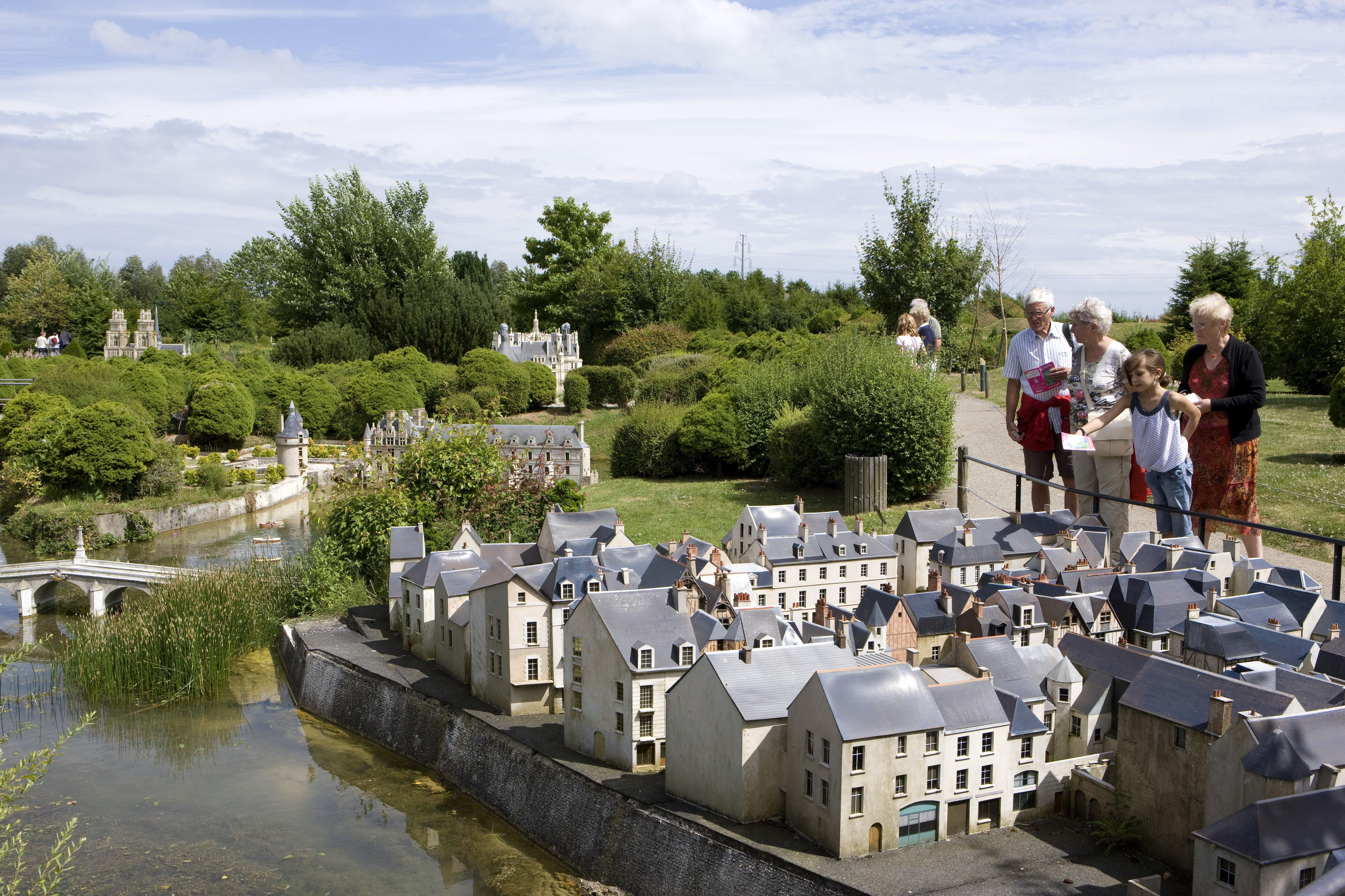 6 juillet 2009. France Miniature.