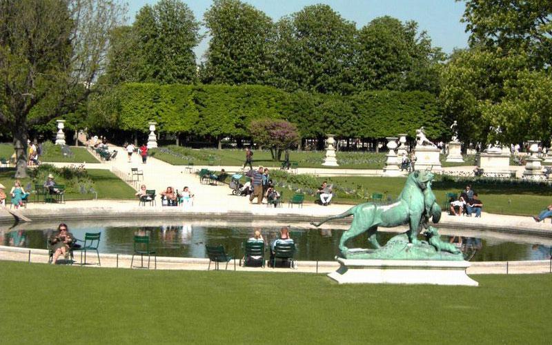 Сад Тюильри́ (фр. le jardin des Tuileries) — общественный парк в центре Парижа
