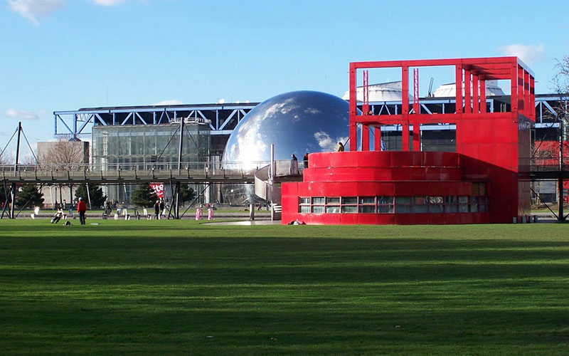 Парк Ла-Вилле́т (Виллет) (фр. parc de La Villette) в XIX округе Парижа