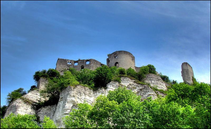 экскурсия в замок Шато-Гайар