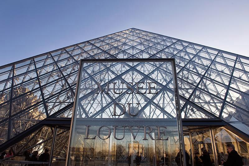 Musée-du-Louvre-2
