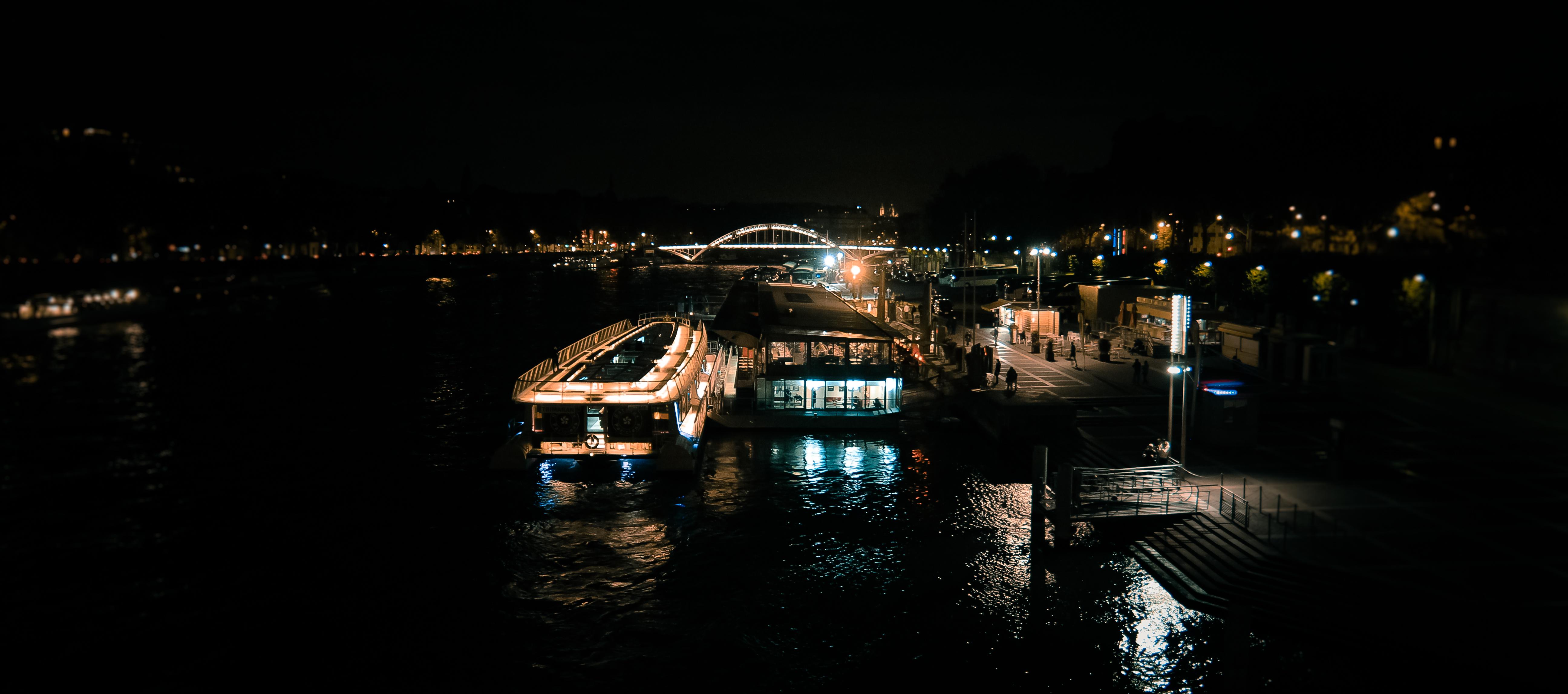 Ужин-круиз на кораблике по Сене