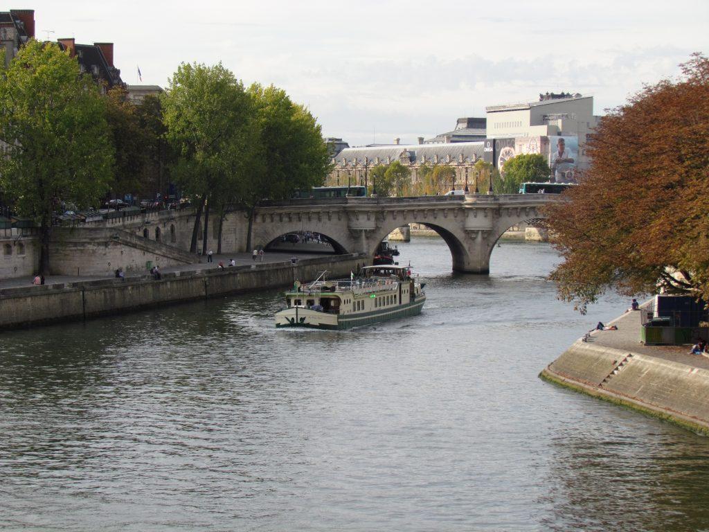 Вид на Сену в Париже